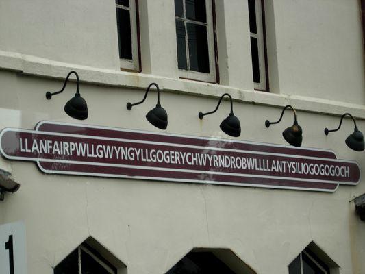 Llanfairpwllgwyngyllgogerychwyrndrobwllllantysiliogogogoch Wales