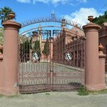 main gate to Castillo de la Glorieta
