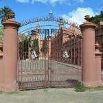 main gate to Castillo de la Glorieta