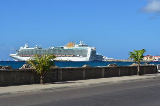 A-cruise-ship-in-Port-Zante-on-St.-Kitts